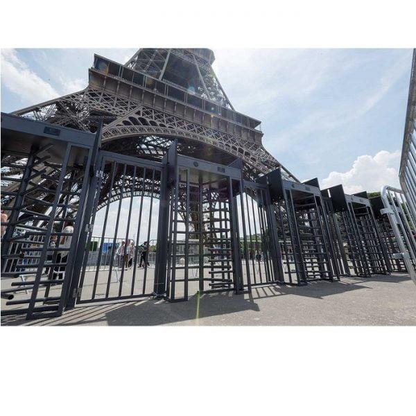 security gate Eiffel Tower